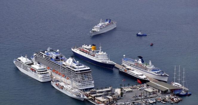 Kuşadası lüks yolcu gemilerinin uğrak limanı olacak
