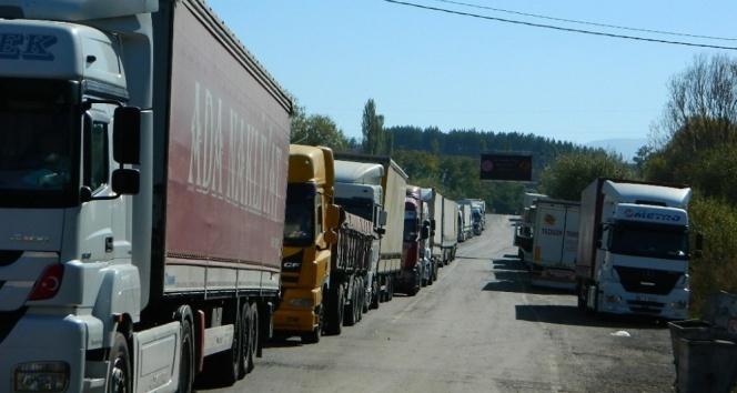Türkgözü Sınır Kapısındaki tır kuyruğu bitirildi