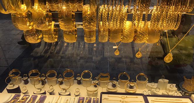 'Çeyrek altının fiyatı 1 senede 425 TL arttı'
