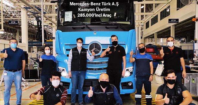 Mercedes-Benz Türk Aksaray Kamyon Fabrikası'nın 285 bininci kamyonu banttan indi