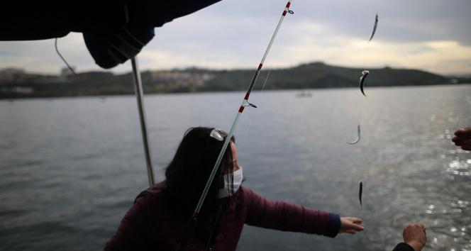 Bursalı kadın girişimci tekne alarak olta balıkçılığı turları düzenliyor