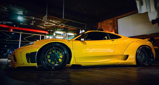 JuniqueDesign milyonluk Ferrari'ye özel dizayn yaptı