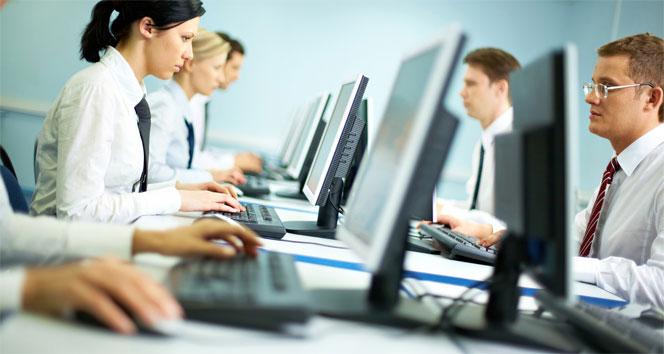 Ücretli çalışan sayısı aylık yüzde 0,5 arttı
