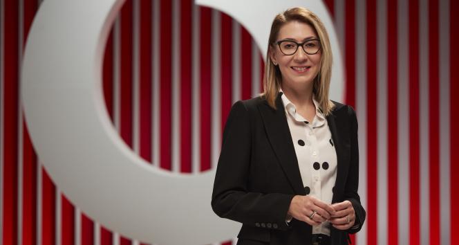 Vodafone, teknoloji-insan işbirliğine dikkat çeken yeni marka kimliğini duyurdu
