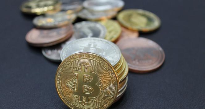 Bitcoin'de sert düşüş sürüyor