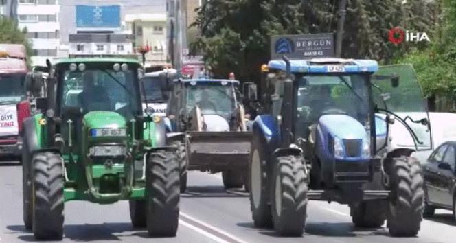 KKTC'de besiciler traktörlü eylem düzenledi