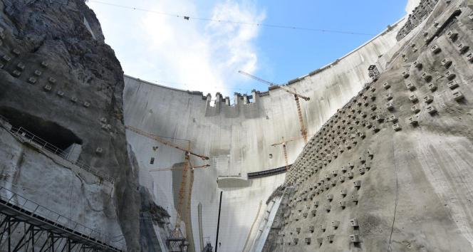Yusufeli Barajında son beton döküldü