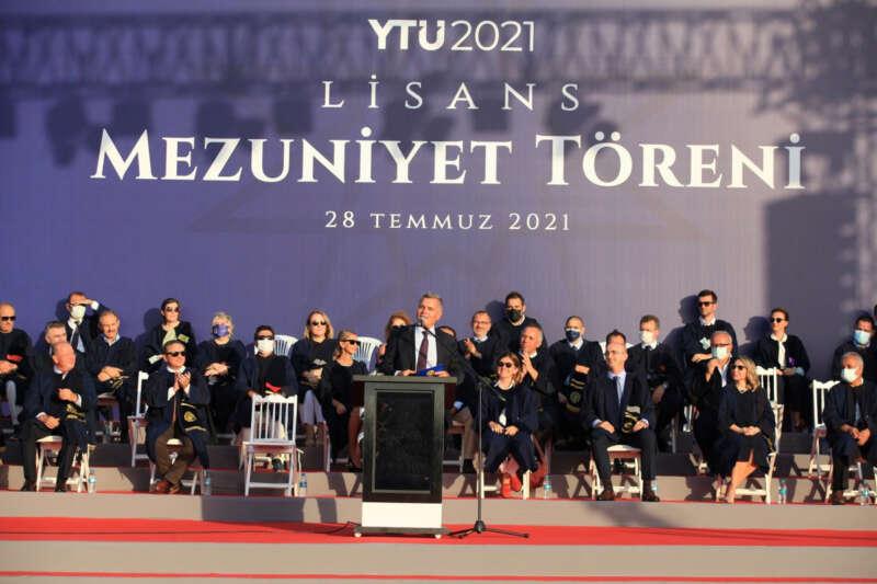 Turkcell GM Erkan, yeni mezunlara seslendi: 'Vakit kaybetmeden harekete geçin'