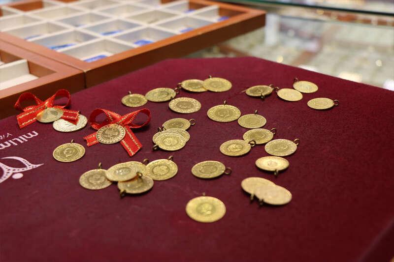 Altındaki düşüşün sebebi 'değersiz dolar'