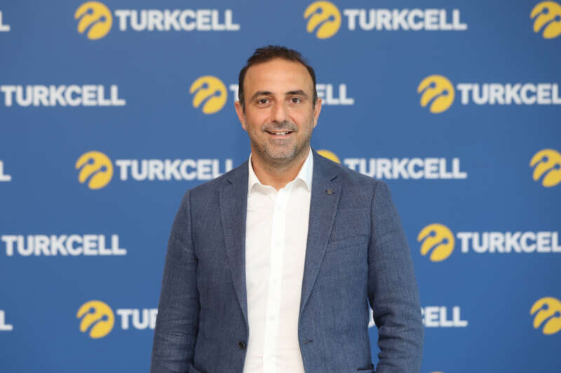 Turkcell GranFondo İzmir'de pedallar yangında zarar gören çocukların eğitimi için dönecek