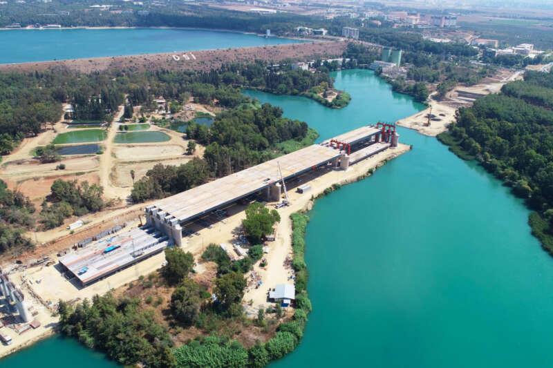 Türkiye'nin en uzun 4. köprüsünde inşaat sürüyor