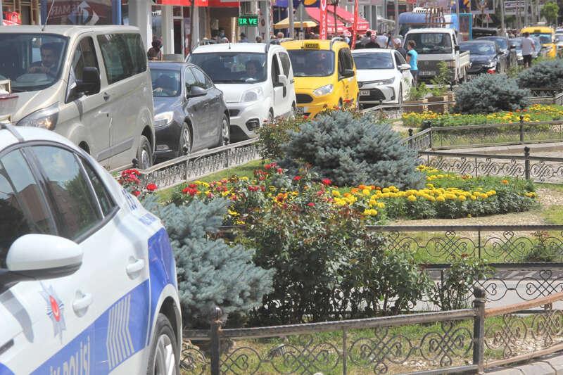 Bayburt'ta trafiğe kayıtlı araç sayısı 16 bin 205 oldu