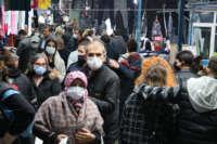 Edirne'de Ulus Pazarı, yağmura rağmen doldu taştı